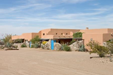 Casa de Suenos nr El Paso Tortugas, - Anthony - Bed & Breakfast