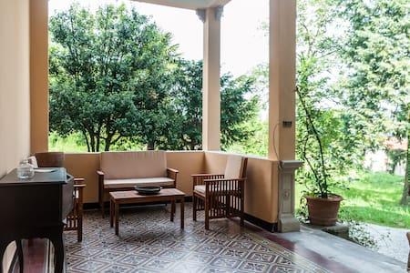 XIX century villa w/garden - Huoneisto