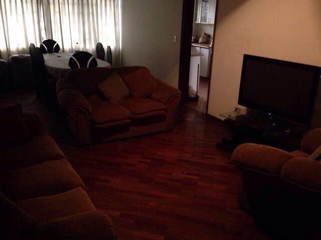 Departamento con dos cuartos  - La Molina - Apartamento