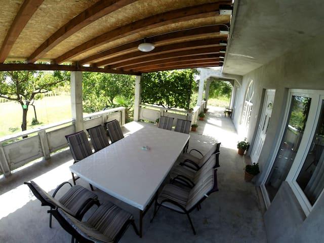House Love with terrace - Ljubač - Rumah