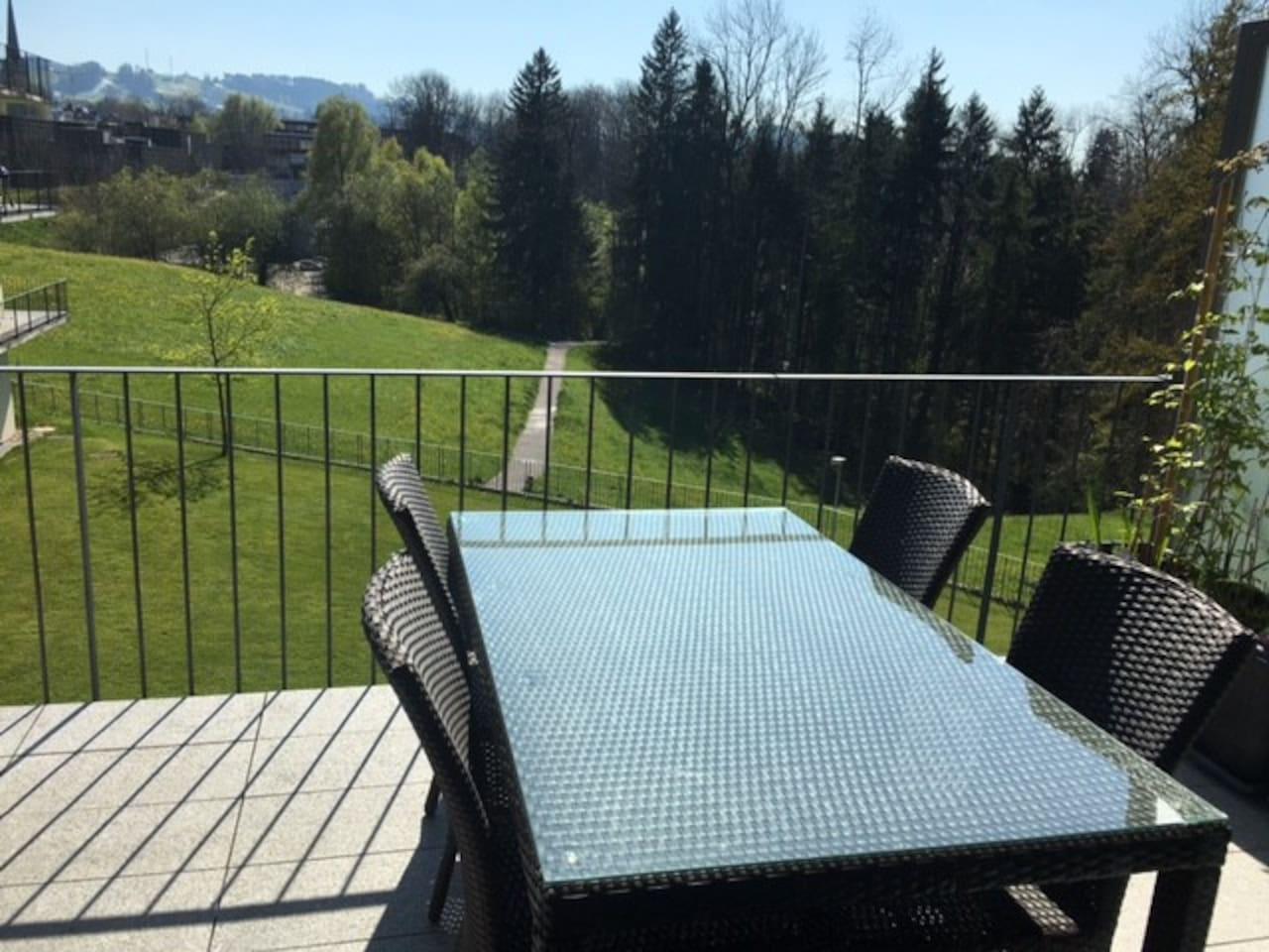 Balkontisch / balcony table