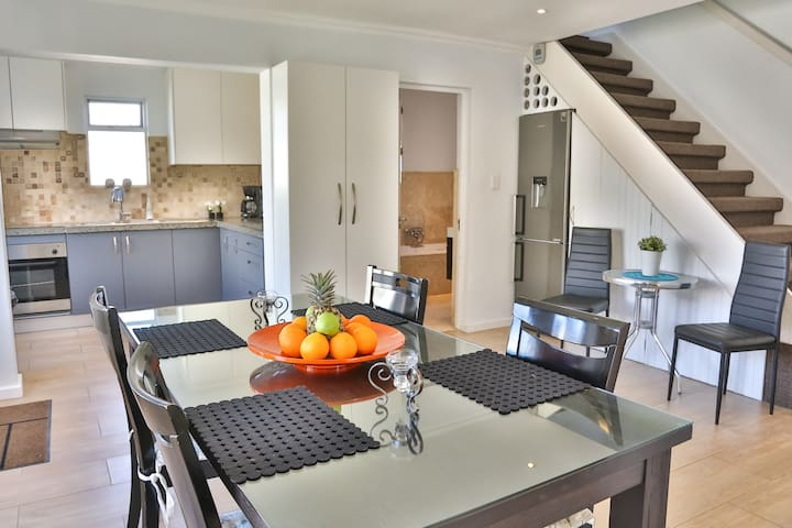 Self catering close to lovely beach