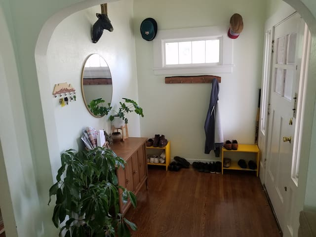 Cozy East Oakland Home #2
