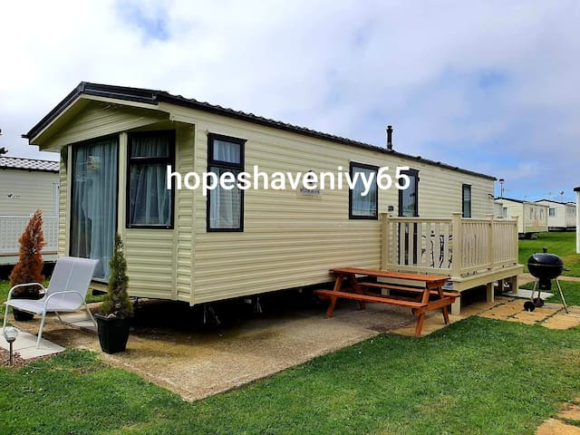 6 Berth 2 Bedroom Caravan Cayton Bay Parkdean