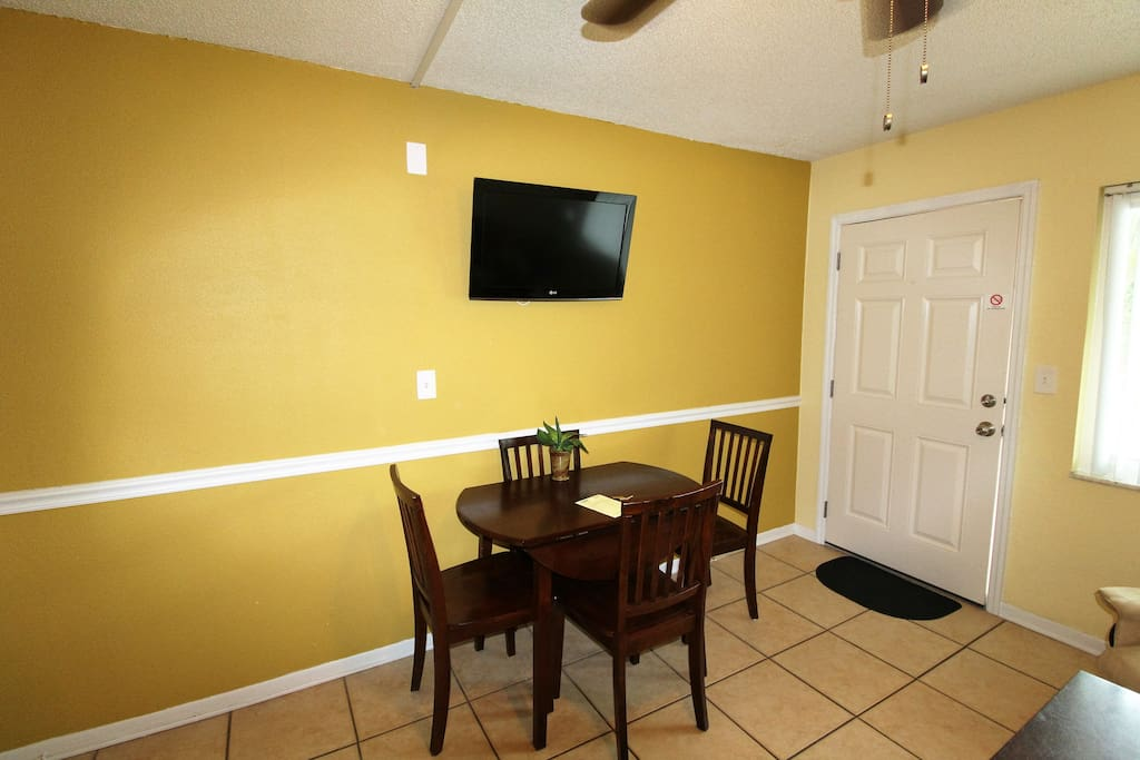 4 Seat Dining With Flat screen TV
