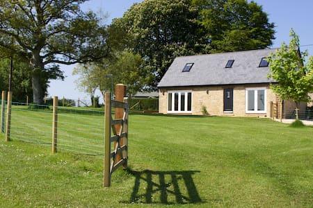 Kelpers Barn at  Whistley Farm - Milton on Stour - Casa