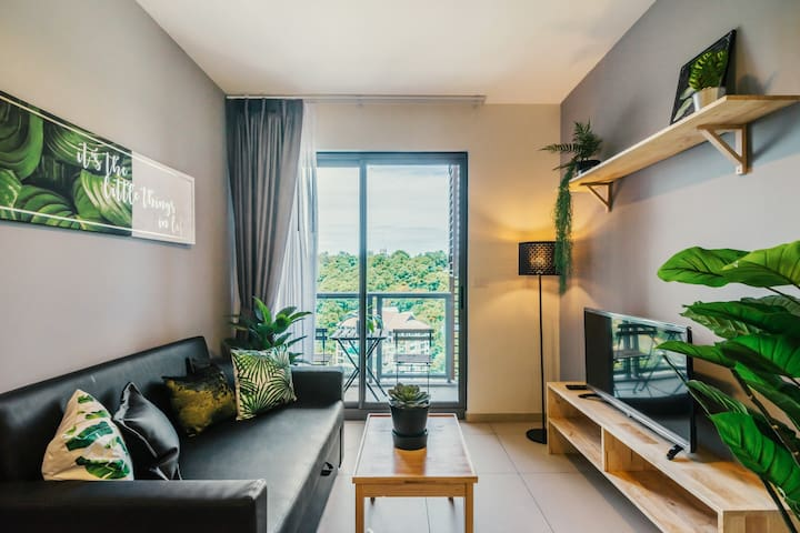 South  Pattaya HighRise Condo on the 20 TH floor.