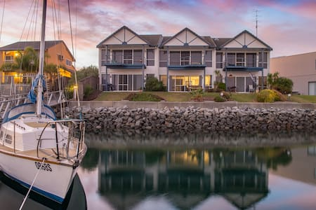 Absolute Waterfront Marina & Beach - Port Lincoln - Apartment