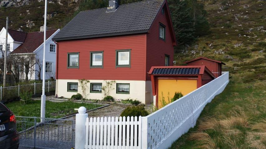 Kåre-huset. - Herøy - Haus