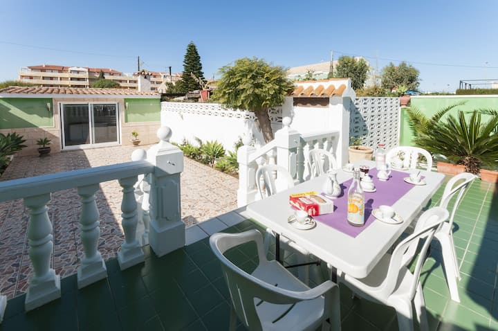 PENTAGRAMA - Chalet with terrace in Dénia .
