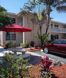 Great South Florida Condo walk to the beach. - Pompano Beach - 公寓
