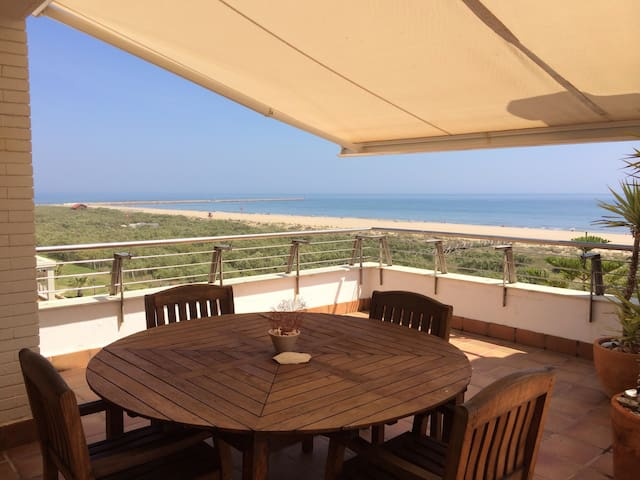 incredible penthouse front sea  - Isla Canela - Apartment