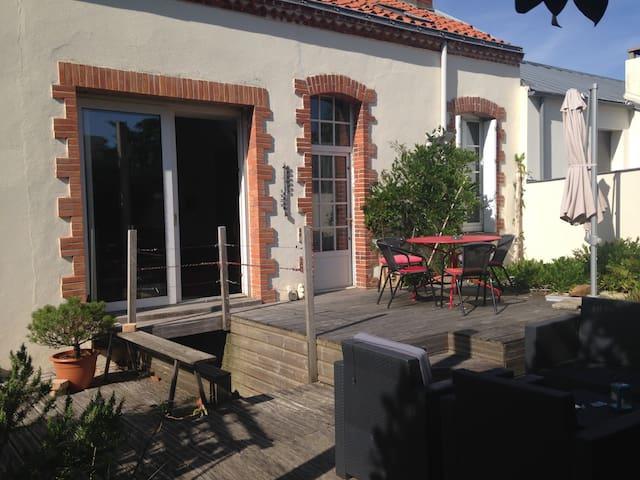 Chambre dans une agr able maison de centre ville houses - Chambre des metiers la roche sur yon ...
