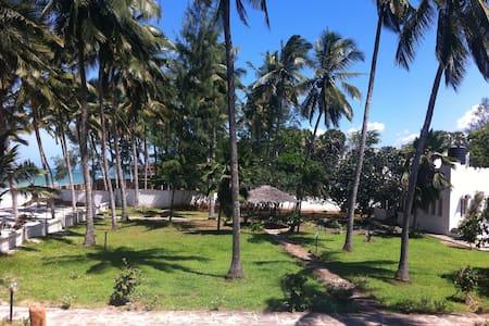 MLC 1 Beach Front Villa Mombasa - Mombasa