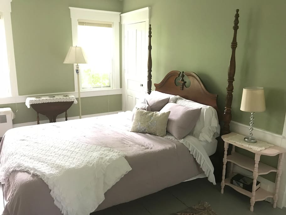 Your private bedroom, with bathroom. Cotton linens from Portugal, on a queen sized bed.