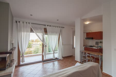 Olympus penthouse next to the beach,free parking - Litochoro - Leilighet