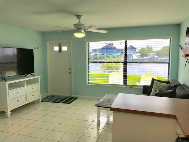 Sailfish Suites #3- waterfront!!