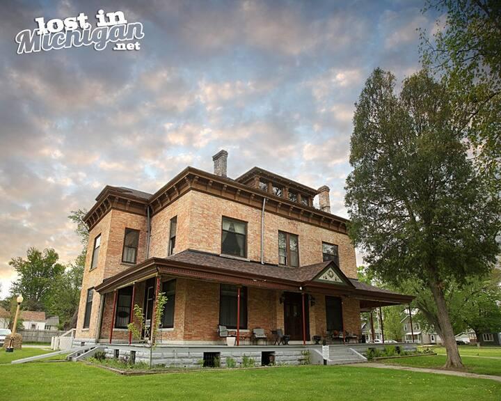 The William Peter Mansion: Grandma Suite