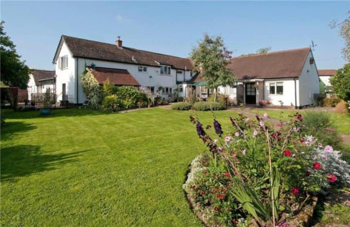 Five Bridges Cottages (Self catering)