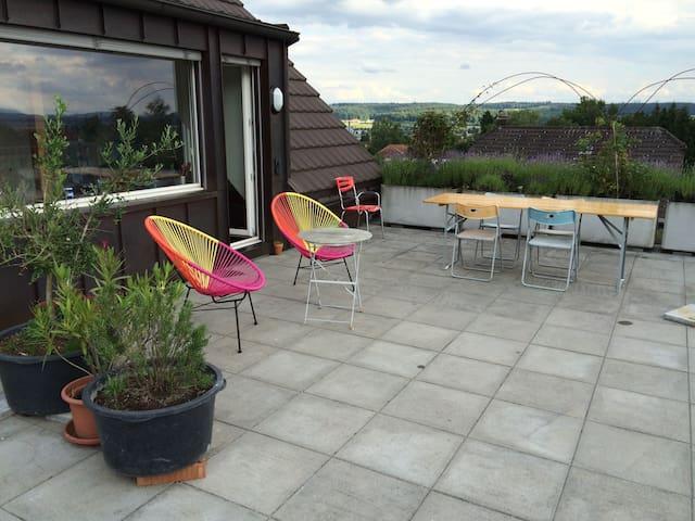 Dachwohnung mit grosser Terrasse - Langendorf - Hus