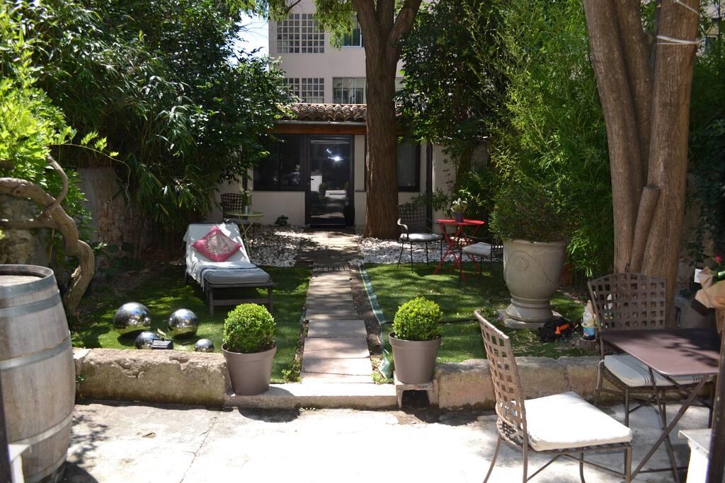 havre de paix aix cv jardin appartements louer aix en provence provence alpes c te d 39 azur. Black Bedroom Furniture Sets. Home Design Ideas