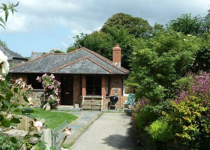 Paradise Farm Cottage - Boscastle - Casa