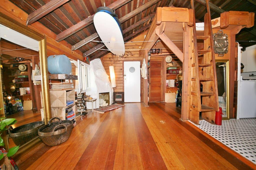Chaplin Historic Loft Cottage Cabin