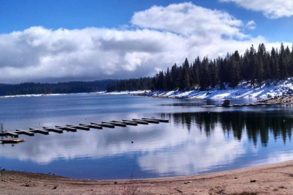 A shaver escape sweet retreat chalets for rent in for Shaver lake fishing report