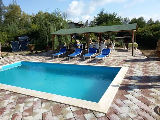 Graziosa Villetta con piscina