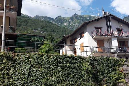 ACCOGLIENTE A DUE PASSI DALLE TERME - Angolo Terme, Lombardia, IT - Apartemen