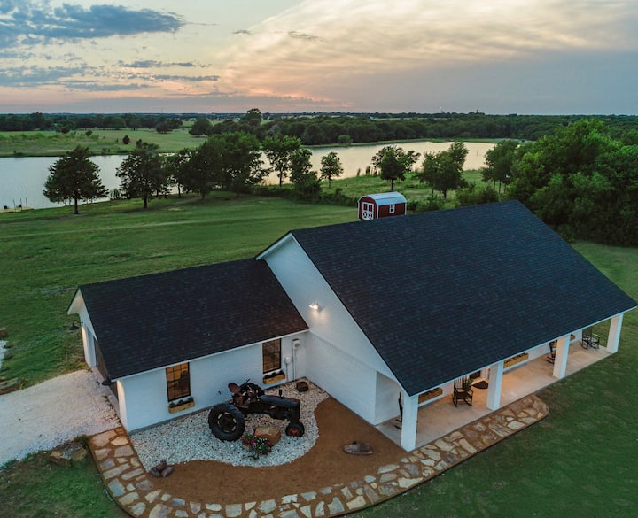Tallulah Ann's Lakehouse