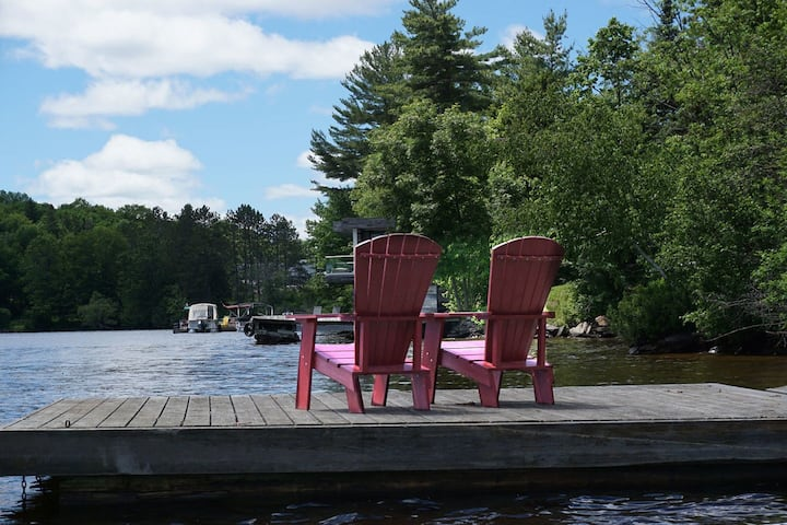 The Staycation Urban Family Cottage on the Lake