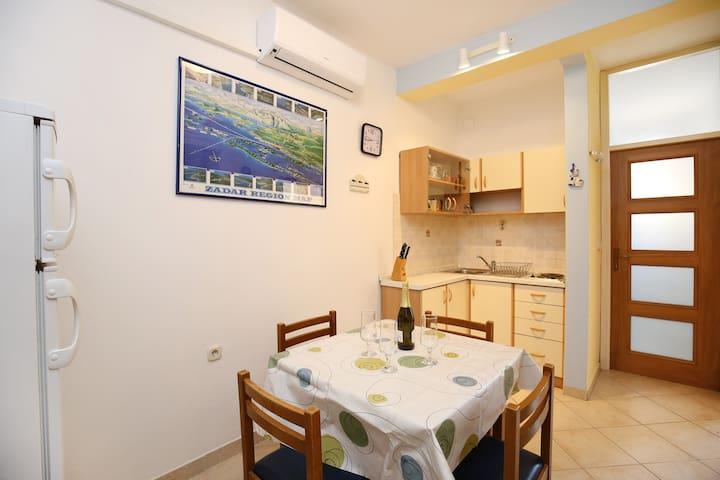 (2) Esso Piccolo - Mali Iž - Apartamento