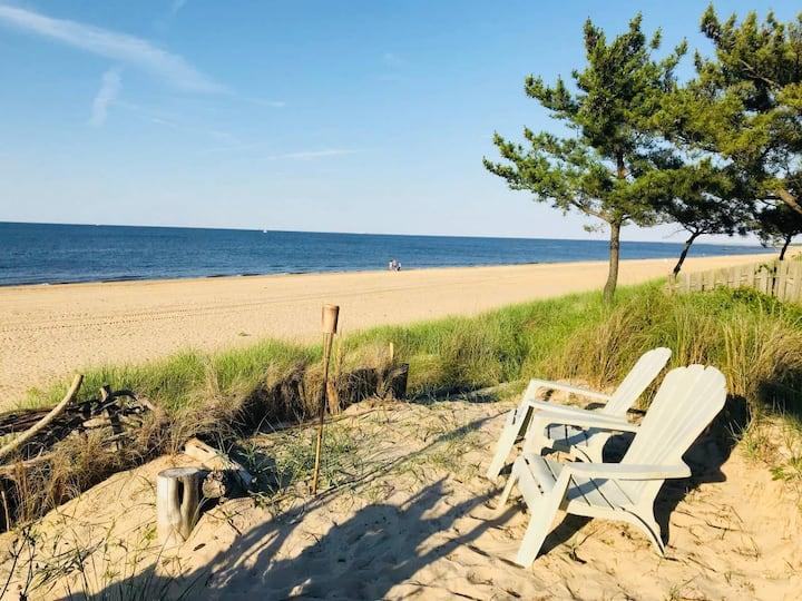 Ships Inn: The Captain's Cabin (Beach View)