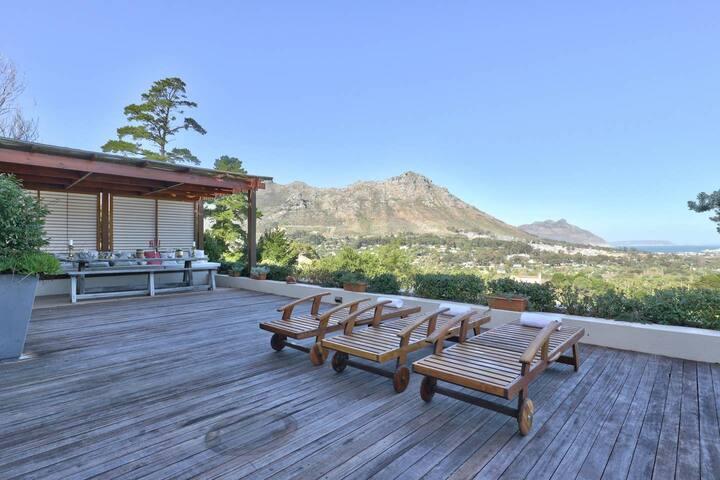 Mountain estate villa, Endless views.