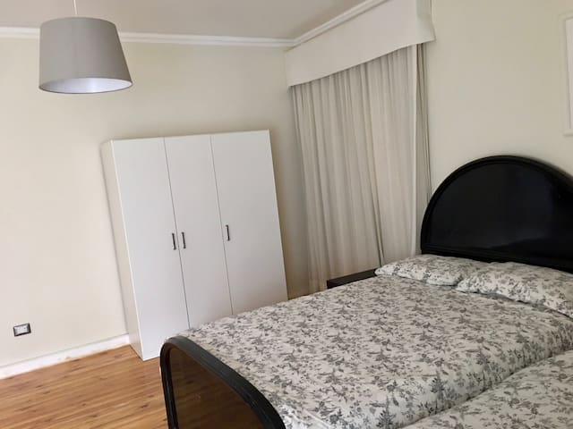 Super Cozy and Spacious 2 Bedroom