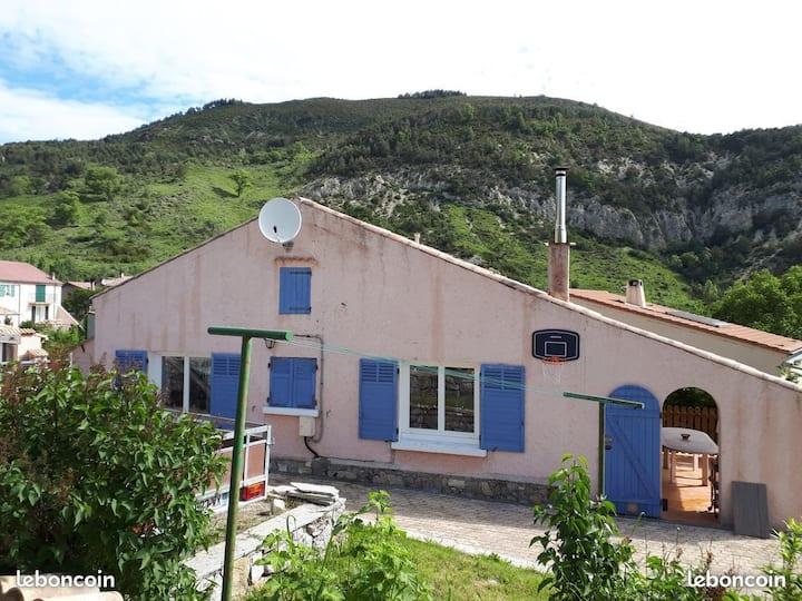 Belle Maison sur les hauteurs de Castellane