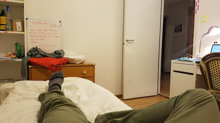 Basic budget room in student flatshare