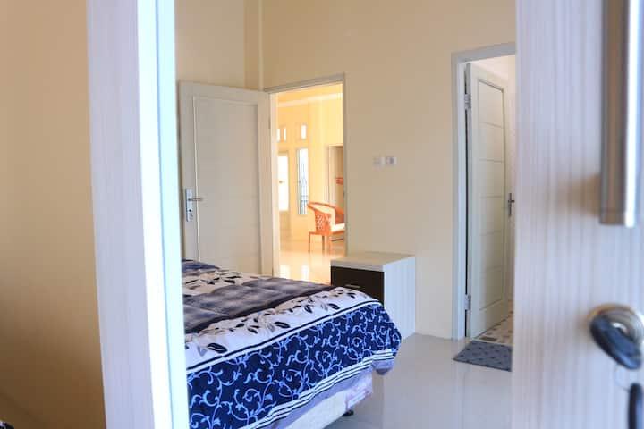 Hysan Inn - Guest House for Family Trip