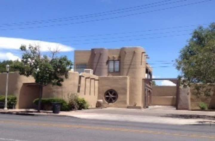 Condo in Historic Old Town Close to Hotel ABQ.