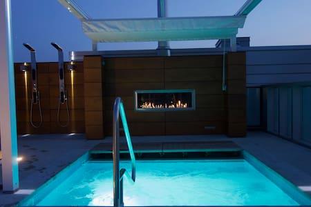 Apartment (Jacuzzi, sauna, heated pool)