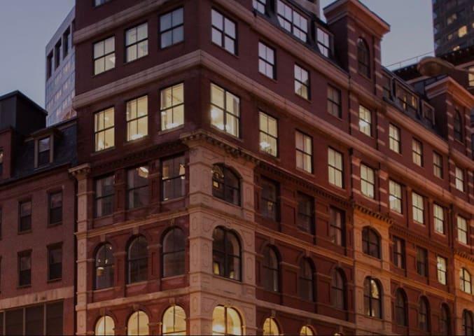 Downtown Boston  2bed2bath multiple level loft