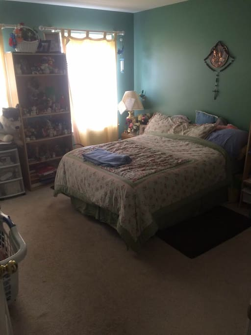 Main Guest Room, ask for more pictures of other beds.