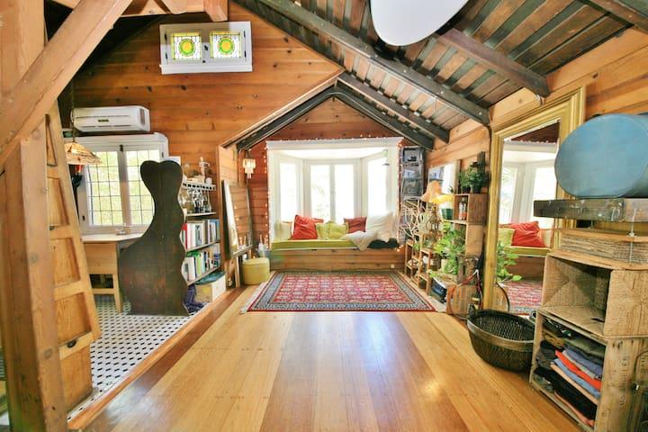 Chaplin Historic Loft Cottage Cabin - Los Angeles - Chalet