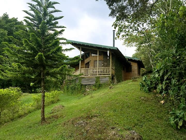 Rustic Cabin  in Yas  Cartago