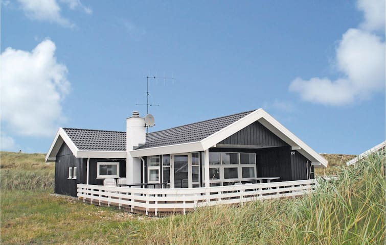Holiday cottage with 3 bedrooms on 88m² in Hvide Sande