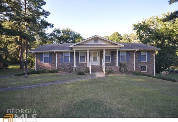 Bed and Guest Bath; Private Home - No Smoking - Fayetteville