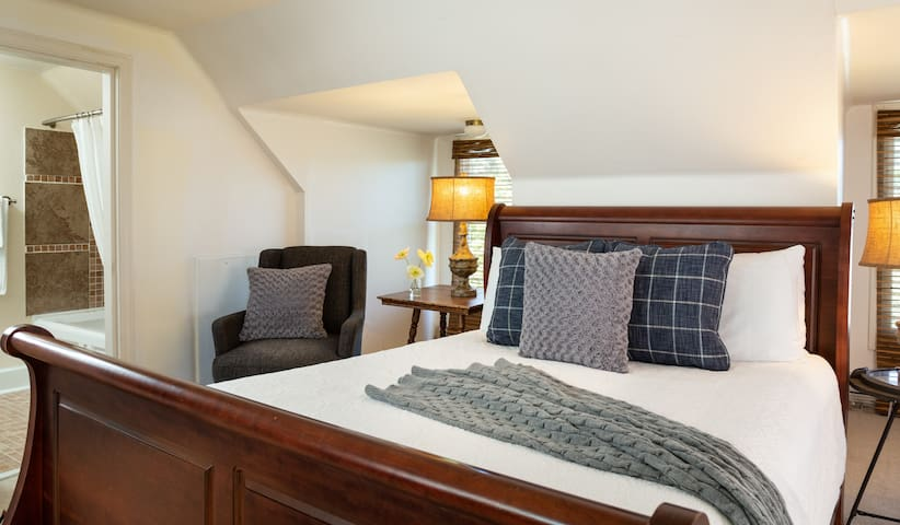 Well appointed suite in an ocean front B&B
