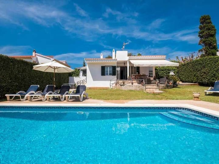 VILLA JARAMA - Comfortable 5 bed villa near the beach, AC, WIFI, sea views