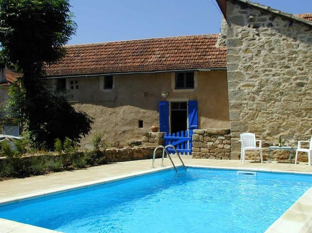Stone house private pool, SW France